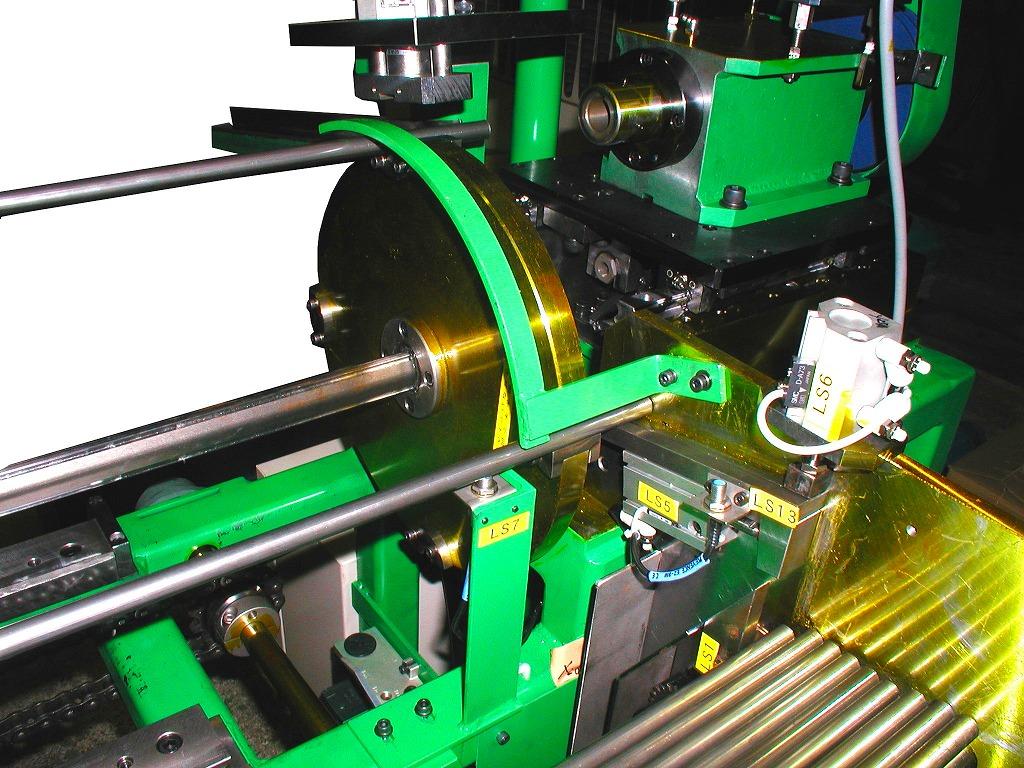 全自動パイプ端末成形機(回転ローラー方式)(RWEF-15)